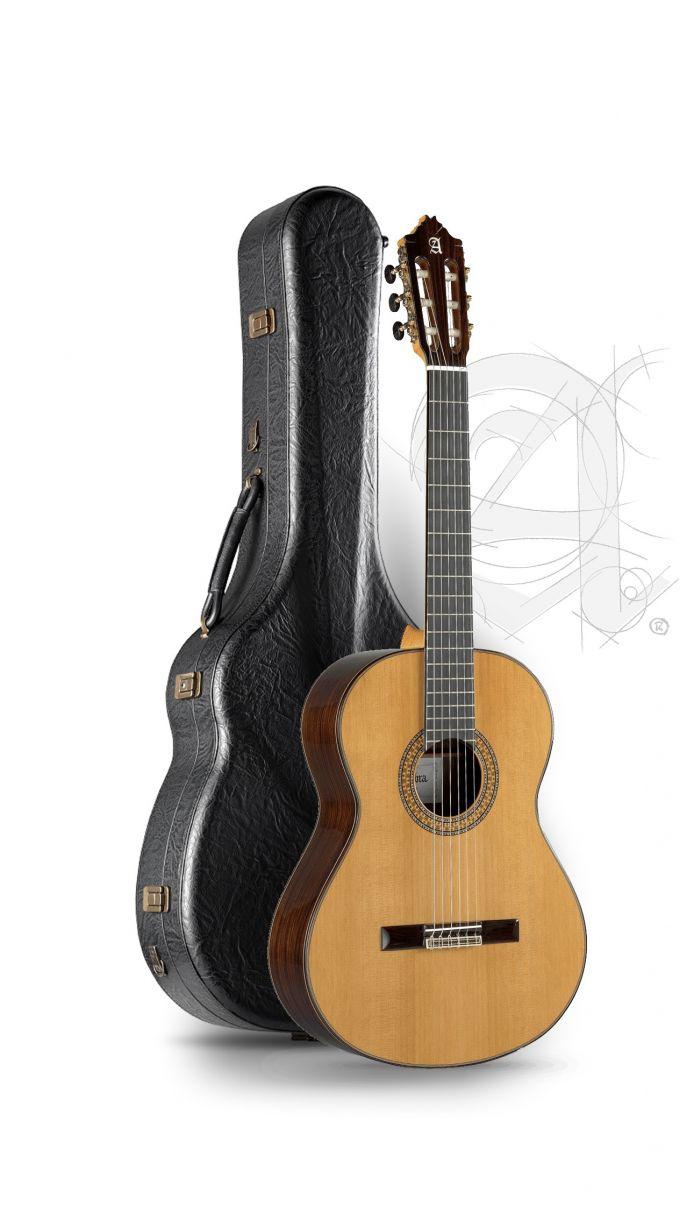 Guitarra Clásica Alhambra 9P con estuche