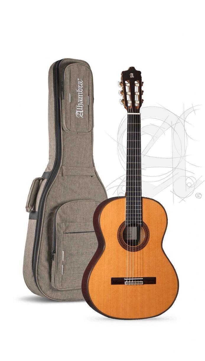 Guitarra Clásica Alhambra 7P Classic con funda